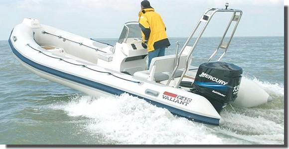 location-bateau-moteur-semi-rigide-hyères-valiant-620